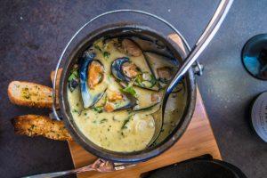 Pot o Mussels - Dinner